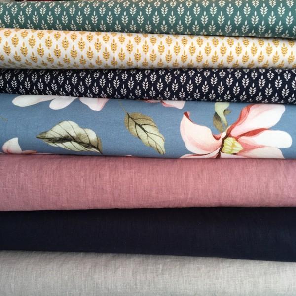 Baumwolle dunkelblau navy Blumen