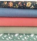 Jersey jeansblau mit Blumen